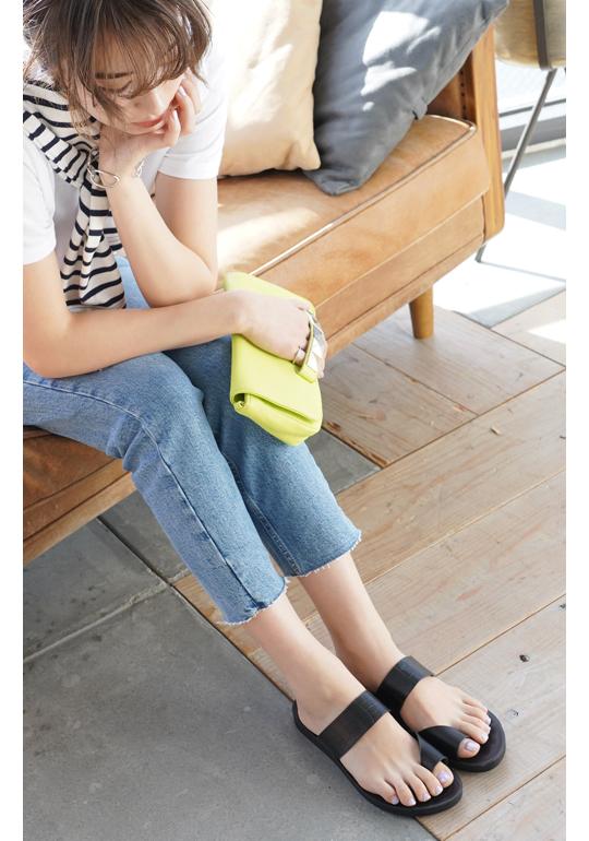 flat_sandal